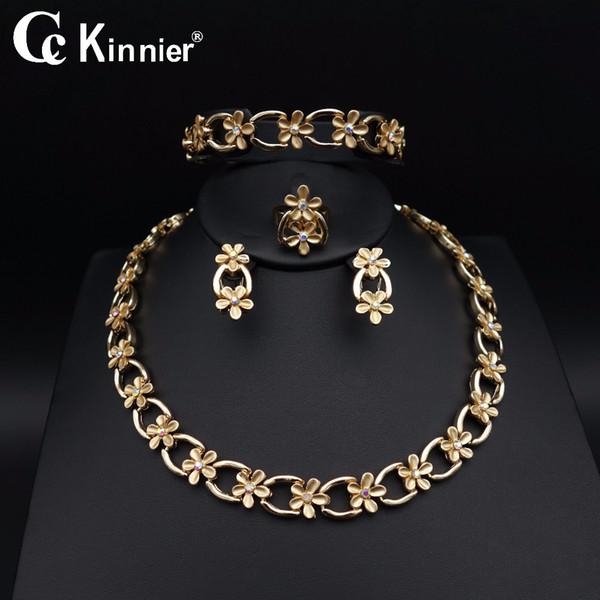 intera venditaNuova africana Dubai oro-colore moda set di gioielli da sposa Unico design fiori Collana orecchino Bangle anello Perle da sposa 11.10
