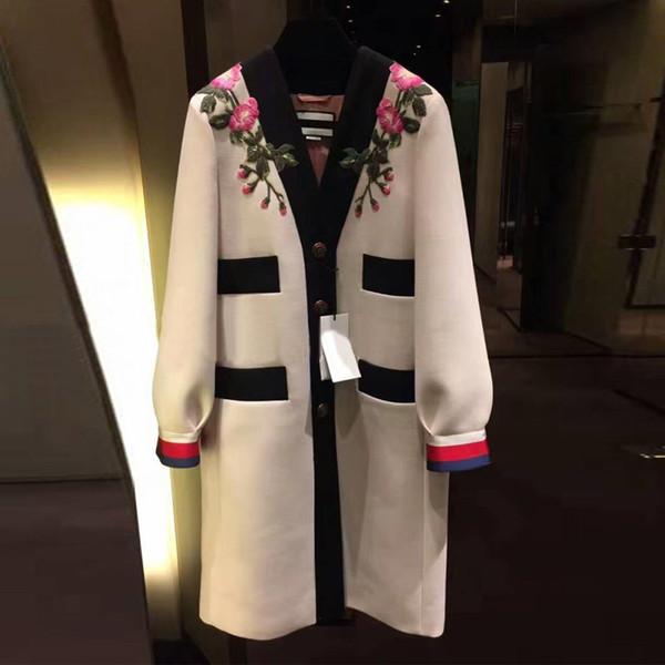 2018 Runway Designer Luxury Fashion Trench V Cuello de un solo pecho Contraste Color Vintage bordado Flor Escudo Beige