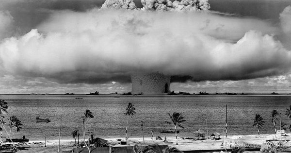 Free Shipping Operation Crossroads Nuclear Test The Atomic Bomb High Quality Art Posters Print Wallpaper Photo paper 16 24 36 47 inches