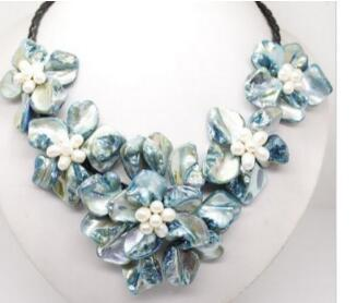 """Free Shipping 001072 Wonderful Lady's Blue Shell mother of pearl 5 flowers pendant necklace 18"""""""