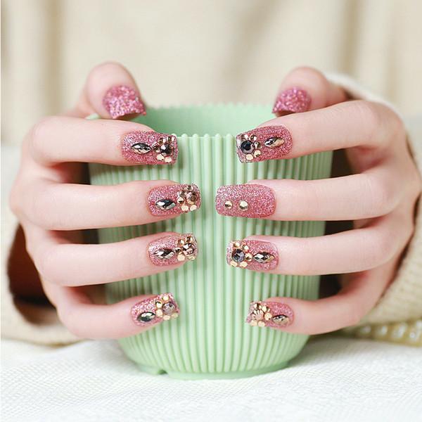 Compre 24 Unids Set Elegante Rosa Brillo Uñas Falsas Boda Novia Herramienta De Uñas Preacabado Rhinestone Artificial Nail Art Tips Con Pegamento A