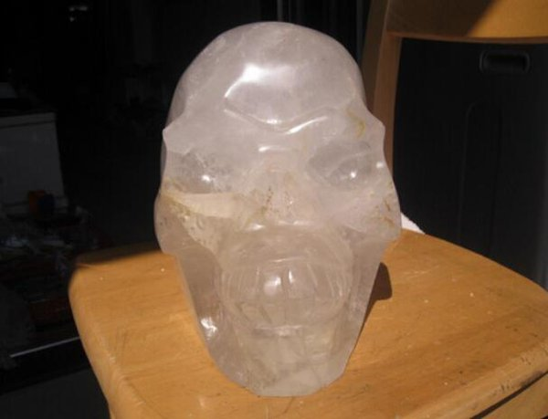 HUGE NATUR AL W HITE CLEAR QUARTZ CRYSTAL SKULL CARVED From China