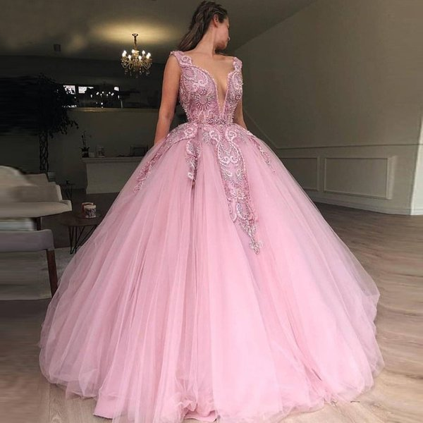 Ball Gown Prom Evening Dresses Deep V Neck Sleeveless Floor Length Organza Applique Lace Arabic Pageant Maid Of Honor Dress Evening Gowns
