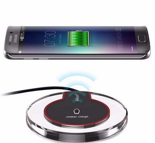 Nuovi caricatori wireless rapidi Qi Quick Acrylic Caricabatterie Q7 K9 Ricarica per Samsung Ricevitori wireless per telefoni cellulari Apple 5V 2A
