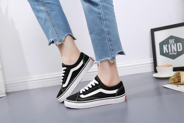 2018 Old Skool Canvas Mens Classic Skateboard Designer Sports Shoes Men Womens Sneakers Casual Trainers Chaussures Pour Hommes