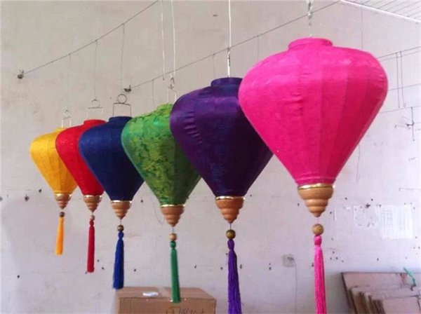 25pcs/lot 12inch/30cm Chinese Traditional Diamond Jacquard Satin Silk Lanterns Indoor/Outdoor New Year Mall Party Decorations
