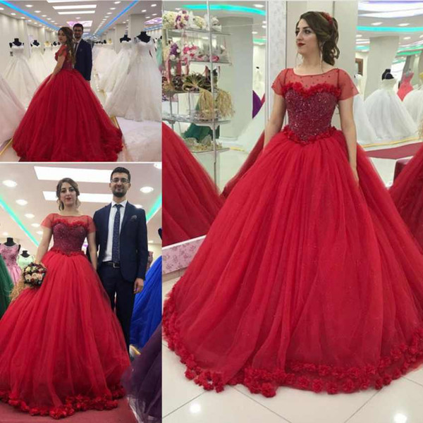 Discount Real Red Quinceanera Dresses Ball Gowns Scoop Neck Short Sleeves 3D Flowers Sweet 16 Dresses Sweep Train Evening Party Gowns
