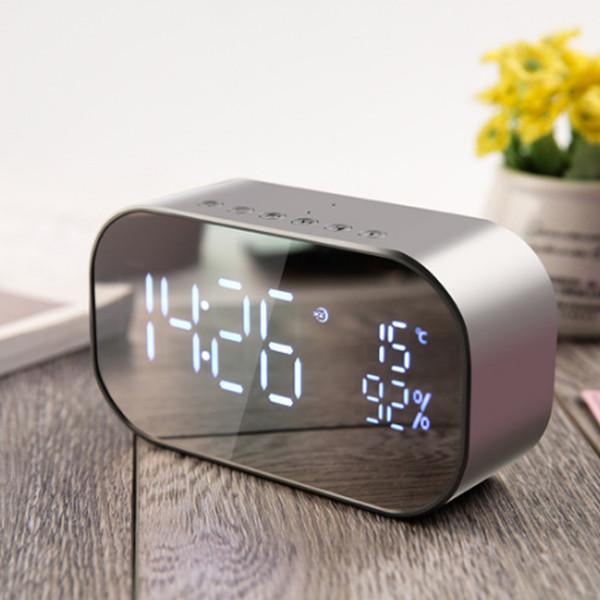 Réveil LED avec radio FM sans fil Support de haut-parleur Bluetooth Aux TF USB lecteur de musique sans fil pour bureau