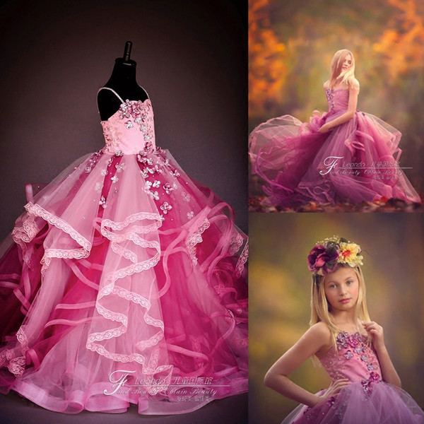 Gorgeous Flower Girl Dresses For Wedding Spaghetti Lace 3D Floral Appliques Beded Tiered Skirts Girls Pageant Dresses Kids Formal Gowns