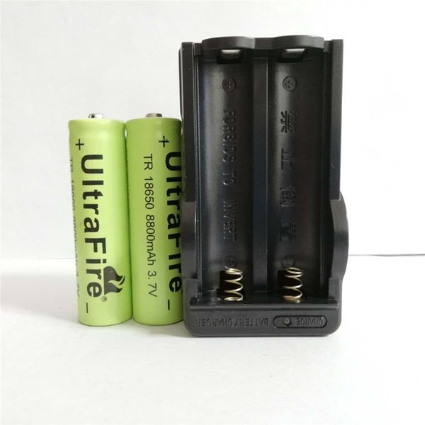High quality two 18650 3.7v 8800mAH lithium battery yellow +18650 lithium-ion battery charger, manufacturers direct sales