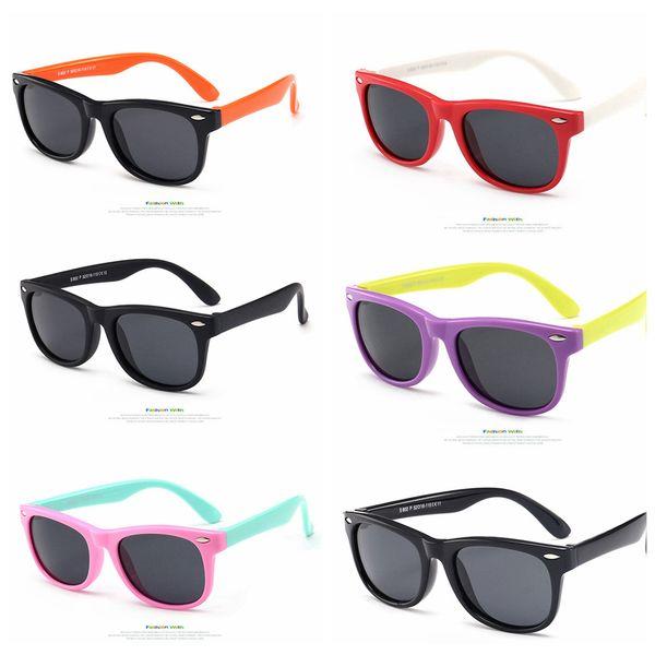 Kids Silicone Frame Polarizing Sunglasses Fashion Eyewear UV400 Protection Sunglasses Children Beach Vintage Cute Outdoor Goggles AAA69