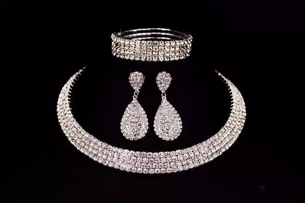 Awesome Bride Classic Rhinestone Crystal Choker Necklace Earrings And Bracelet Wedding Jewelry Sets Wedding Accessories Bridal Jewelry