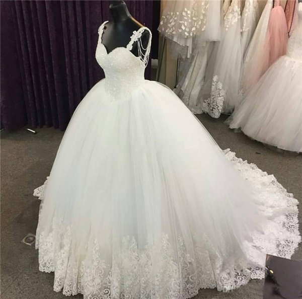 Sexy Spaghetti Straps Ball Gown Wedding Dresses Sequined Beads Lace Applique Backless Wedding Dress Bridal Gowns
