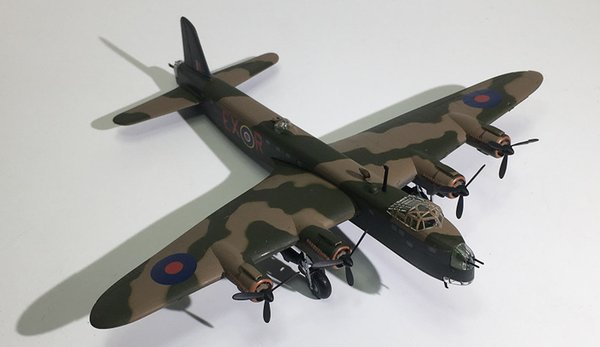 IXO World War II Military Alloy Sterling MK III Bomber Model 1:144 Plastic  Decoration Toy Gift Collection Flying Model Plane Kits Flyable Model