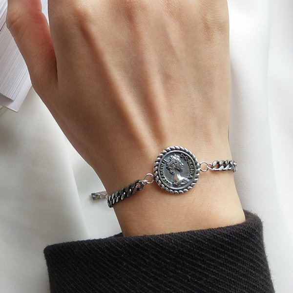 2019 Europe And America Hotsale Silver Bracelet S925 Sterling Silver Coin  Pendant Bracelet Chains For Girls Women Nice Gift For Wedding Party From