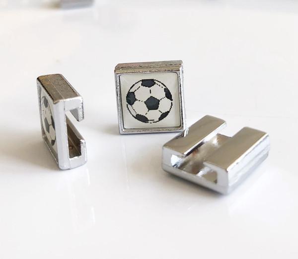 10PCs 8mm quadratischer Plastikfußball druckte Dia-Charme-Korne gepaßte DIY 8mm Armbänder Wristbands, Kragen-Gurt-Bügel