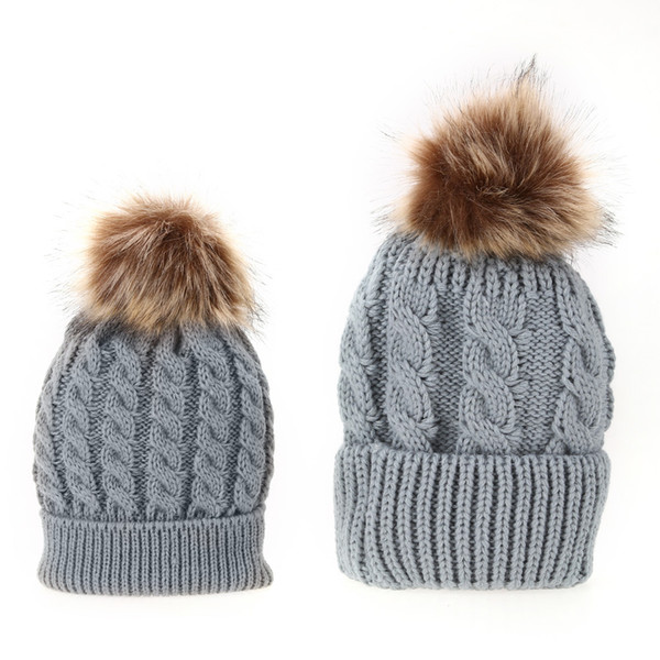 2 PCS Mom Baby Hat Warm Raccoon Fur Bobble Beanie Cotton Knitted Parent-child Winter Hat Color Winter Hats for Baby Pompom Cap