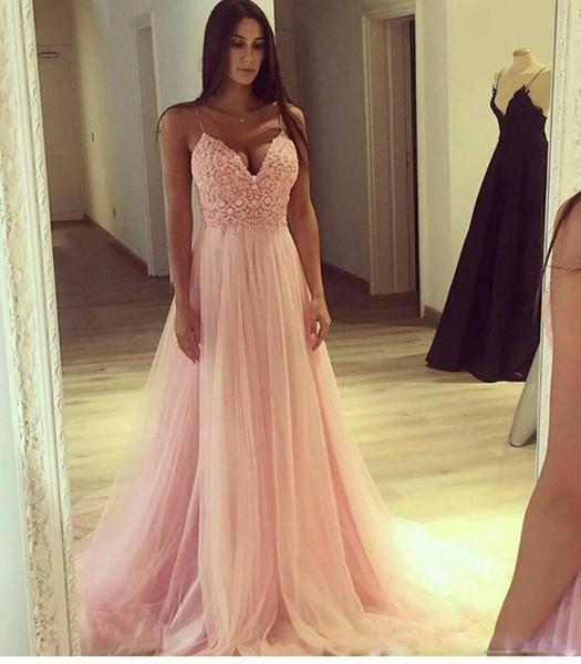 Compre Correas Spaghetti Pink Tulle Vestidos Largos De Noche 2018 Cuello En V Una Línea Top De Encaje Largos Vestidos De Fiesta Vestidos De Fiesta