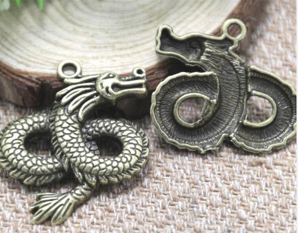 4pcs / lot - Dragon encantos antiguo tono de bronce tibetano Extra grande y hermoso detalle 36x43mm