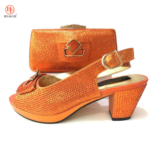 Summer Sandal African Sets Couleur orange Chaussures italiennes avec des sacs assortis Haute qualité Chaussures africaines et sac à assortir pour la fête
