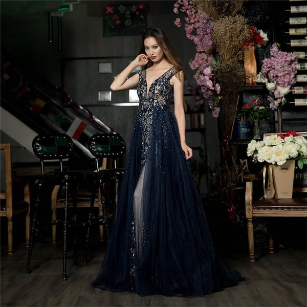 2018 Luxury Blue Beads Organza Floor Length Rhinestones Evening Dress Sexy Open Back Sleeveless Long Prom Gowns Crystals Pearls Party Gown