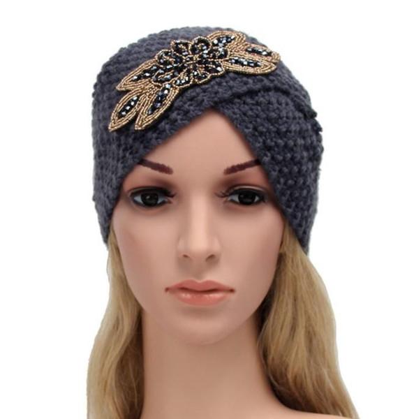 New cap Europa e América popular mão chapéu de crochê lady frisado acessórios de flores de lã de milho cap