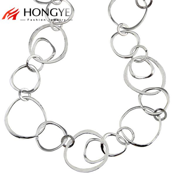 2018 colletti nuovo arrivo moda donna lucido oro / argento colore lunga catena hoop dichiarazione collane gioielli casual boemia