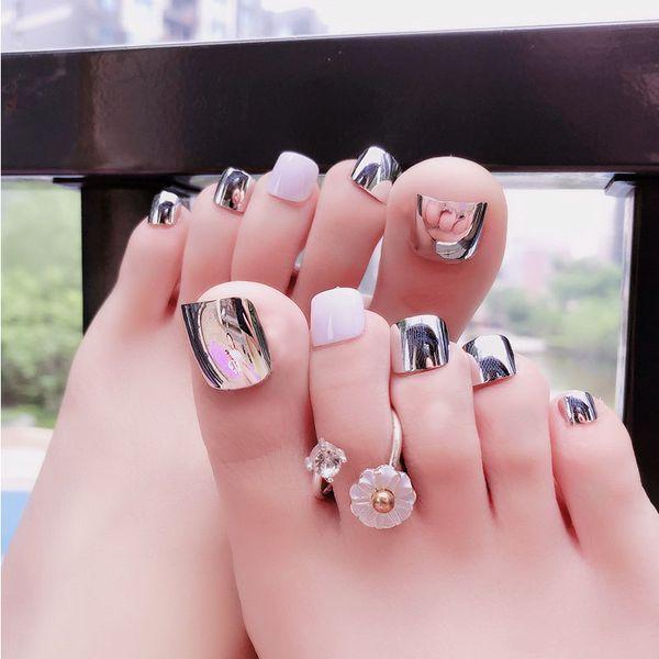 Compre 24 Unids Set Lindo Plateado Dedos De Los Pies Falsos Uñas Color De La Mezcla Metálico Acabado De La Cubierta Completa Foots Artificial Nail