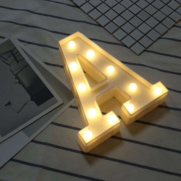 Nuevo 26 Letra de Luz Decorativa Luces de la Lámpara de Fiesta Decoraciones De Navidad Para el hogar Luminaria Decoración de La Boda Navidad Natal Regalo