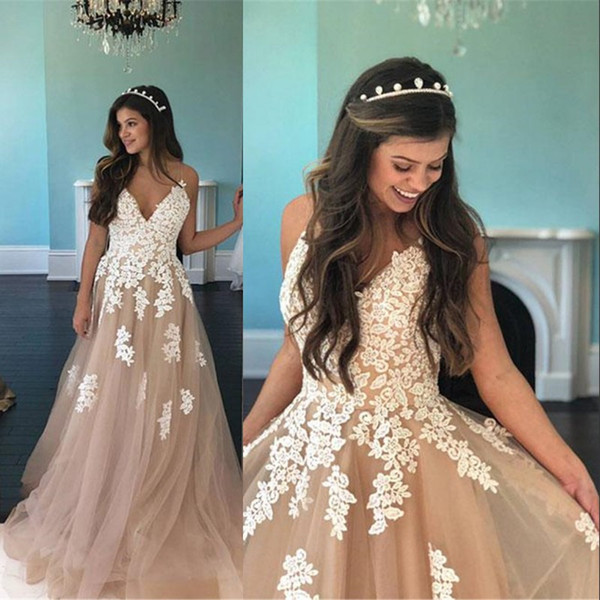 2018 Champagne Tulle Evening Dress With White Lace Applique Sexy Backless Spaghetti Strap A-Line Long Prom Gowns Robe De Soiree Cheap