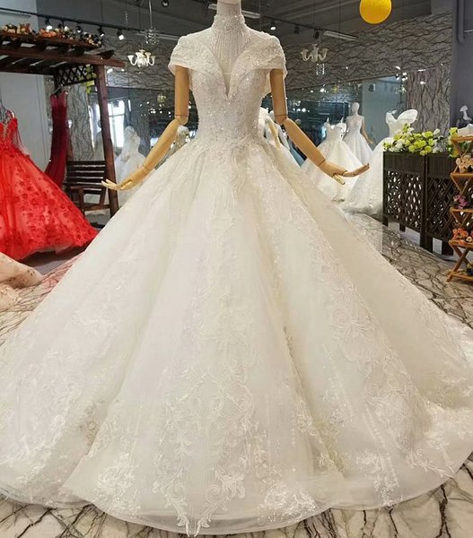 Shiny Ball Gown Wedding Dress Petal 3D Flowers High Neck Short Sleeves Elegant Applique Wedding Gown Fast Shipping Free Delivery