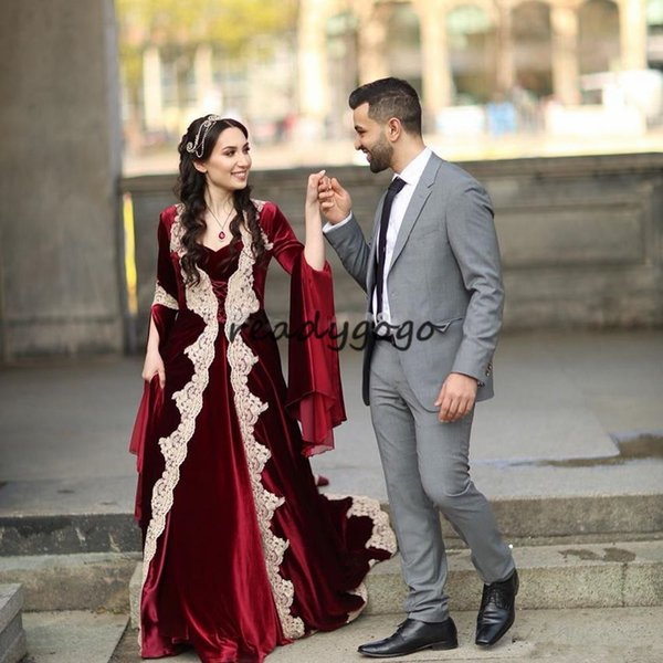 2019 Burgundy Evening Dresses With Long Sleeves Middle East Design Saudi Arabic Dubai velvet Prom Dress with Lace Appliques
