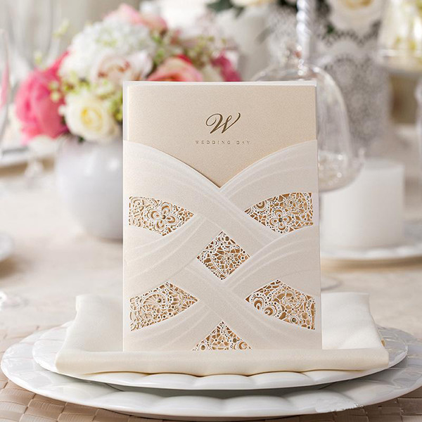 Invitación personalizada de la boda del hueco del hueco Impresión de la hoja interior 18cm * 12.7cm Tarjetas de invitación de la boda del corte del laser