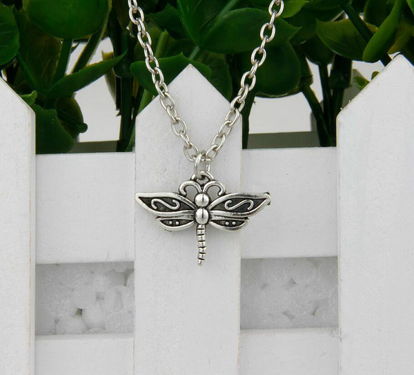 Hot Sale 12pcs Antique Silver Dragonfly Pendant Clavicle Short Special Chain Necklace Fashion Women Jewelry Unique Design Friendship Gift