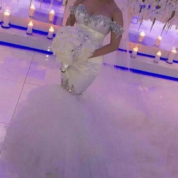 Fit and Flare Mermaid Wedding Dress Sweetheart Off the Shoulder Bridal Gowns Silver Crystals Lace Appliques Tulle Skirt Brides Wear