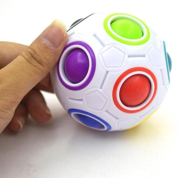 Grosshandel Mode Erwachsene Kind Ball Zauberwurfel Spielzeug Kunststoff Kreative Regenbogen Fussball Puzzle Kinder Lernen Padagogische Zappeln Spielzeug