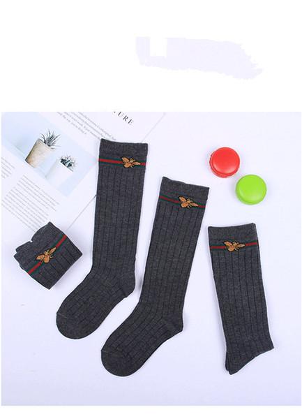 Marka Tasarım Mektubu G Kız Çorap Çocuklar Kız Örgü Küçük Arılar Uzun Çorap Çocuklar için Moda Tüp Bacak Stocking Siyah Hip Hop Stocking Çocuklar