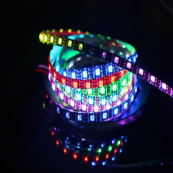 DC5V WS2812 Piksel Dijital LED Şerit 5050 RGB 60LED WS2812B LED Piksel Şerit Işık IP20 IP67 Su Geçirmez