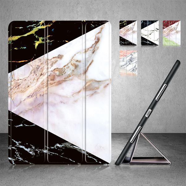 Estojo leve inteligente com três dobras Stand com função Auto Sleep / Wake, Macio Voltar capa de mármore para a Apple New iPad 9.7 iPad 5th / 6th Generation