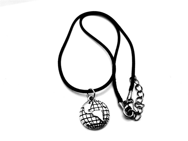 10pcs Outline Globe World Map Geography Pendant Necklace Travel Global Planet Earth Leather Rope Necklaces Personality Graduation Gifts