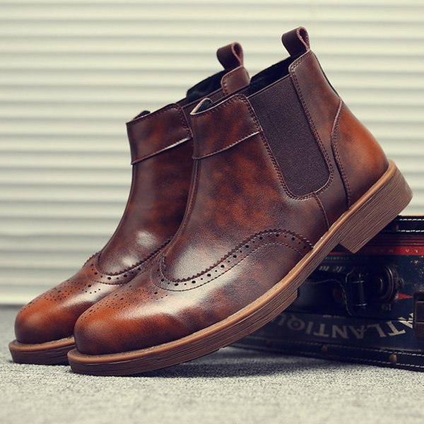 factory wholesale brand designer B039 2018 new fashion Autumn men's real leather shoes carved men's boots popular mens Martin boots hot sell