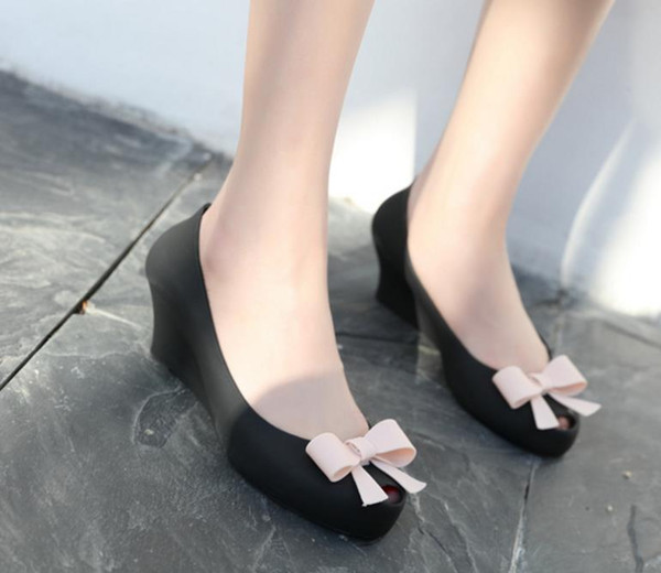 Summer woman bowtie waterproof jelly shoes lady shallow open toe wedges beach sandals slope woman dress single shoes girl rain shoes