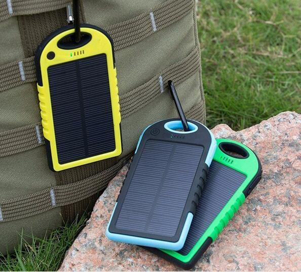 Wholesale price 150pc Dual-USB Waterproof Solar charger 10000mah Power Bank Travel External Battery casse For iPhone Samsung Smartphone