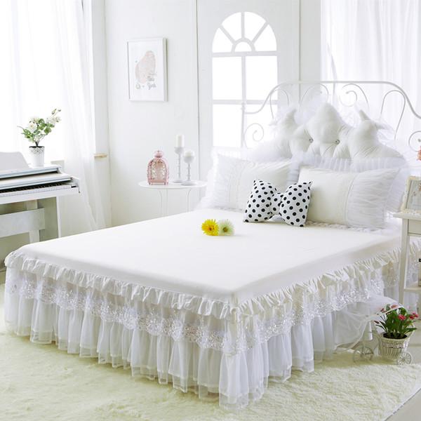 Acheter Coton Lit Jupes Blanc Embroidey Dentelle Couvre Lit Draps Pour Le  Mariage Double Reine Grand Lit King Size Princesse Couverture De $138.94 Du  ...