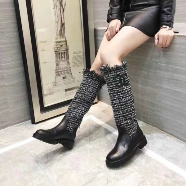 Défilé de mode de haute qualité petit parfum hiver femmes spectacle modèles 14 pouces bottes en cuir pleine fleur luxe chaussures sauvages chaussures de sport