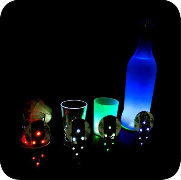 LED Lampeggiante Bottiglia Sottobicchiere Ultra Sottile Autoadesivo LED Luci Lampadina Tazza Mat Per Club Bar Bevande / Bicchieri Birra Decorazione del partito Lampade di Natale