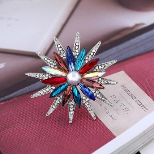 Luxury crystal flower mini brooch brooch pin shawl buckle female models