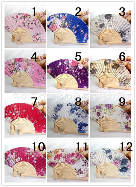 Extravagantes faltendes Fan-Geschenk-chinesische japanische Vintage Hand-hölzerne Spitze-Silk Blumen-Tanz-Fans Partei-Versorgungsmaterialien Freies freiteildrucken