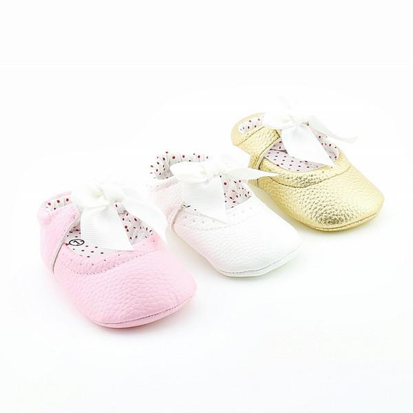 Nuovo 0-18 mesi neonato bambino scarpe bambina rosa oro bianco fondo morbido cuoio scarpe da principessa Slip-on First Walkers