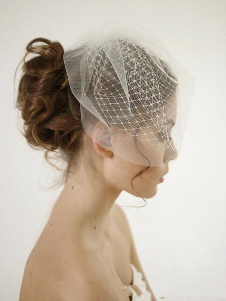 Elegant White Face Veil For Wedding Party Evening Short Fashion Hair Accessories Cheap Simple Elavorate Netting Bridal Blusher VeilCheap Dou